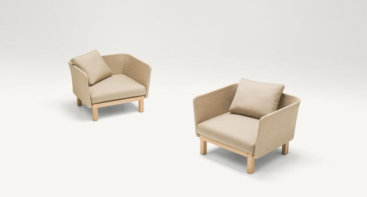 Sabi - Easy chair and an armchair. The Sabi series also includes sofas, modular elements and a sun bed with adjustable backrest.