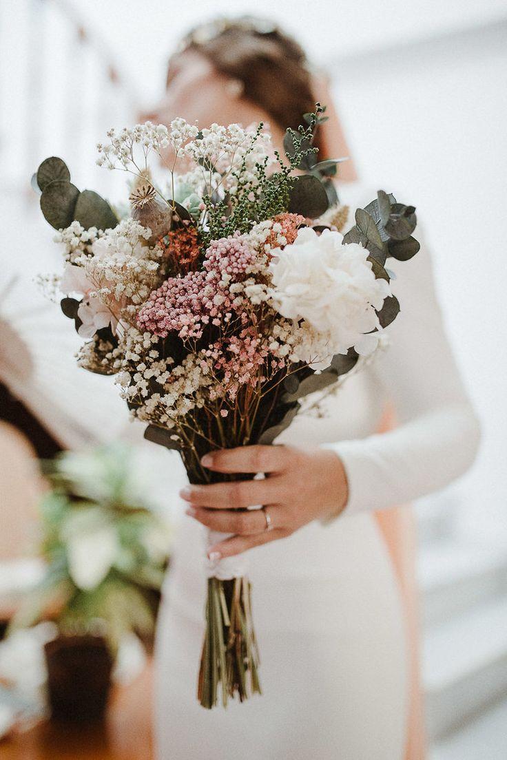 Ramo de novia preservado, con eucalipto, flores silvestres, paniculata, flor de arroz y hortensia