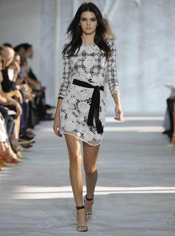 KENDALL JENNER IS TARGET OF FASHION WEEK BULLYING