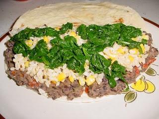 Veg*n Cooking and Other Random Musings: Quesadillas de Frijoles Negros Refritos y Arroz (Refried Black Bean and Rice Quesadilla)