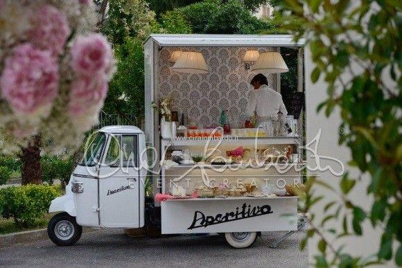 Idee originali matrimonio. L'aperitivo on the road dopo la cerimonia nuziale.   Cira Lombardo Wedding Planner