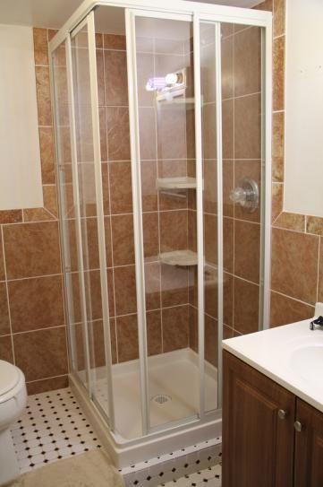 kits de douche en coin douches de coin petite salle de bains douche salle de lavage sous sol salle de bain rnovation salle de bain salle de bain - Home Depot Salle De Bain Vanite