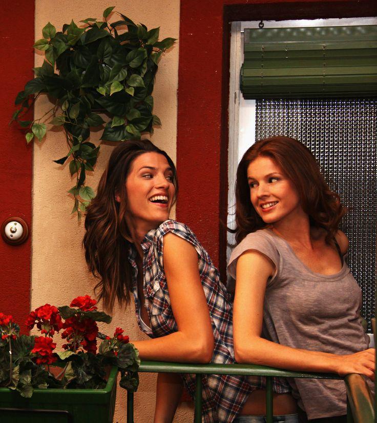 Marian Aguilera as Silvia Castro and Laura Sánchez as Pepa Miranda