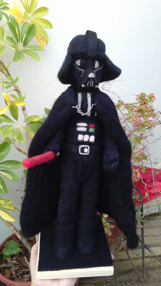 Darth Vader en Fieltro https://m.facebook.com/entrelanasymas.cl/