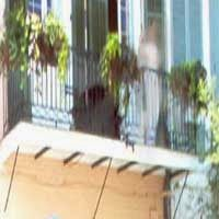 paranormal and psychic happenings: FRENCH BALCONY GHOST