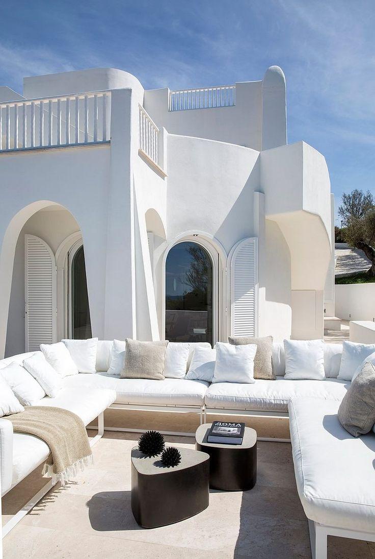 Villa in Sabaudia by Stefano Dorata Architetto #pin_it @mundodascasas www.mundodascasas.com.br