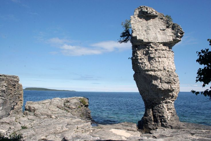Cruise to Flowerpot Island    Tobermory is a harbour village on the Bruce Peninsula in the province of Ontario.