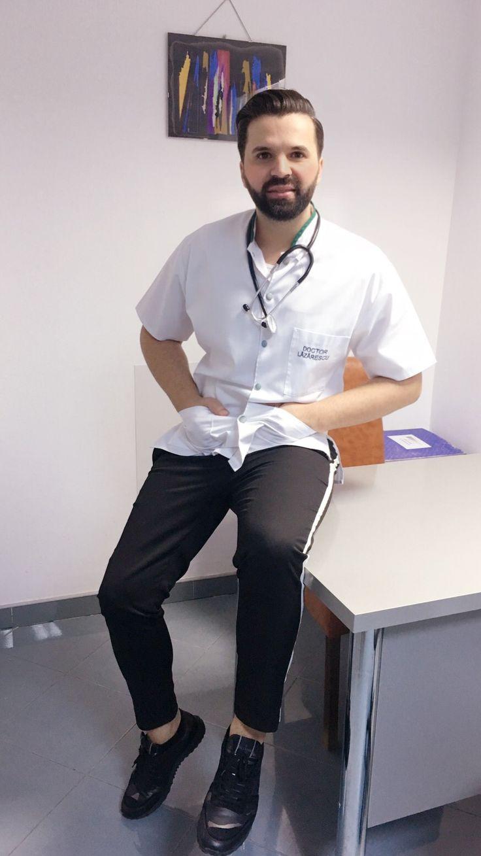 A spus cineva ca nu muncesc?! 😅 Official la cabinet 😇 #me #doctor #happy #doctorlazarescu #drlazarescu #google www.doctorlazarescu.ro