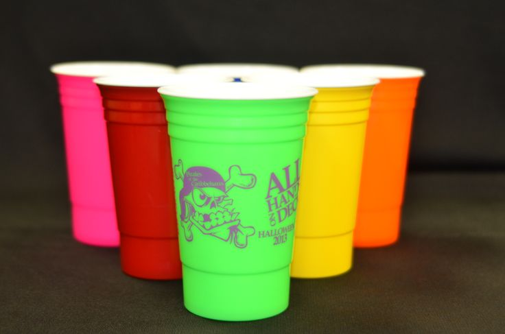 Red solo cup, let's have a partyyy!! Looking to spice up your next event or send home a party favor no one will forget? Then we have some awesome products for you; reusable, customizable, solo cups in all sorts of colors! Call us 352-622-9898 for more information! #business #wedding #partyfavor #advertising