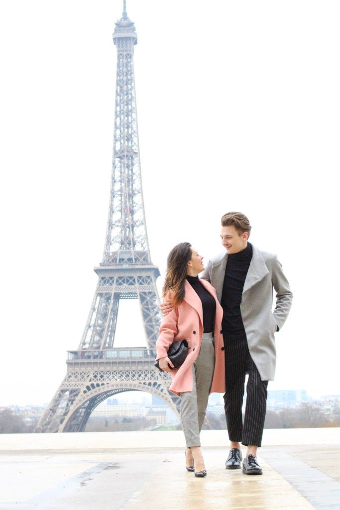 Paris: Guide for your first visit to the city of love - lovers in Paris