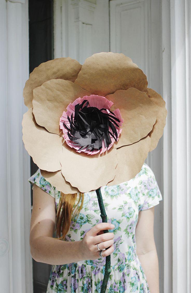 DIY: giant kraft paper flowers