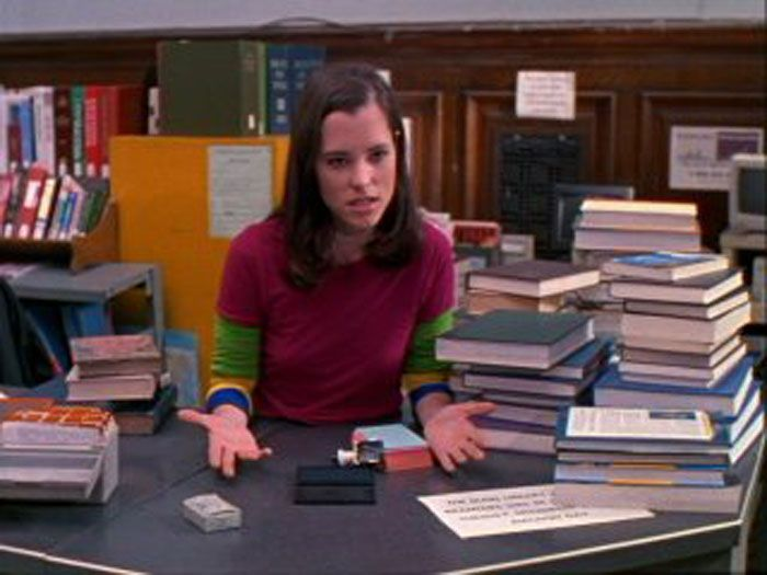 how to become a school librarian