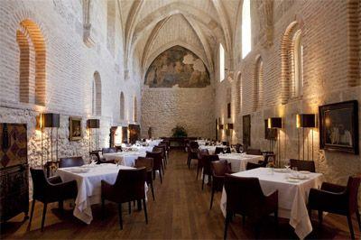 Trivago incluye a la Abadía Retuerta LeDomaine en una seleccióln de hoteles históricos de España para viajar al pasado http://www.revcyl.com/web/index.php/cultura-y-turismo/item/8433-trivago-incl