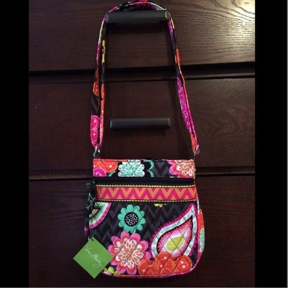 host pick Vera Bradley purse NWT NWT Vera Bradley purse. Inside print is the same pink and orange chevron print that's on outside. Free shipping on Ⓜ️ercari Vera Bradley Bags