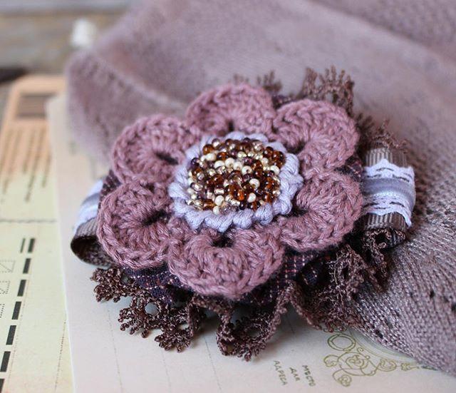 Брошь#текстильнаяброшь#brooch #ручнаяработа #творюкрасоту