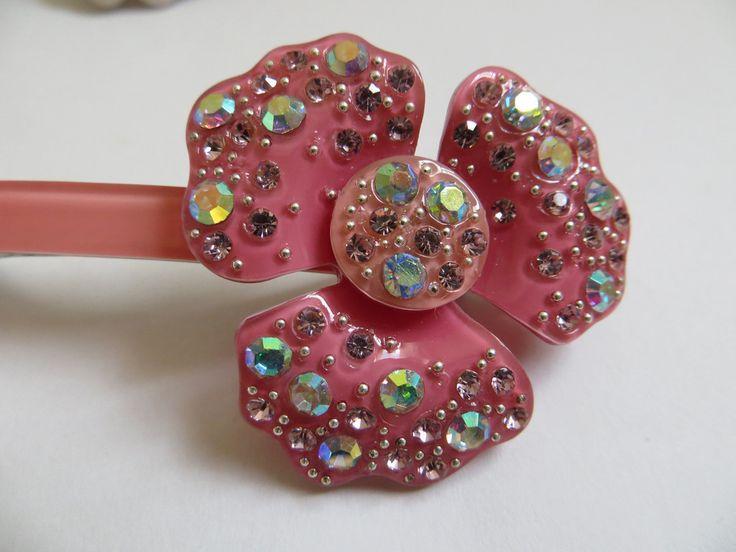 Acrylic Crystal Flower Hairclip