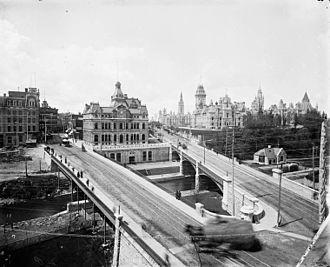 Plaza Bridge (Ottawa) - Wikipedia, the free encyclopedia