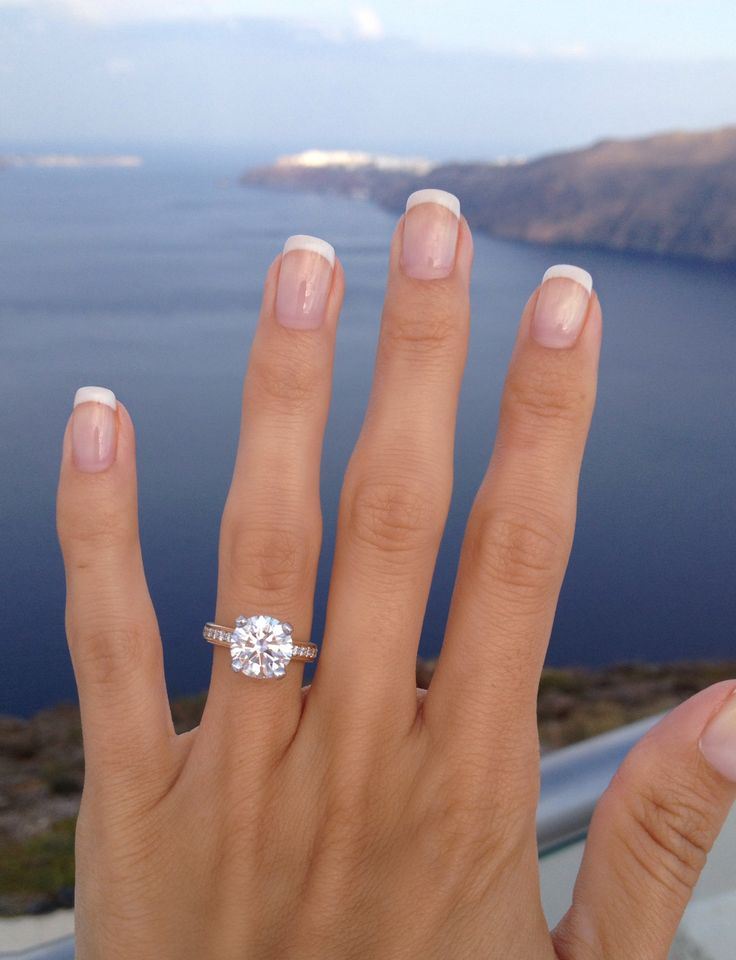 This girl's ring is AMAZING. Love the diamond not the band so much.