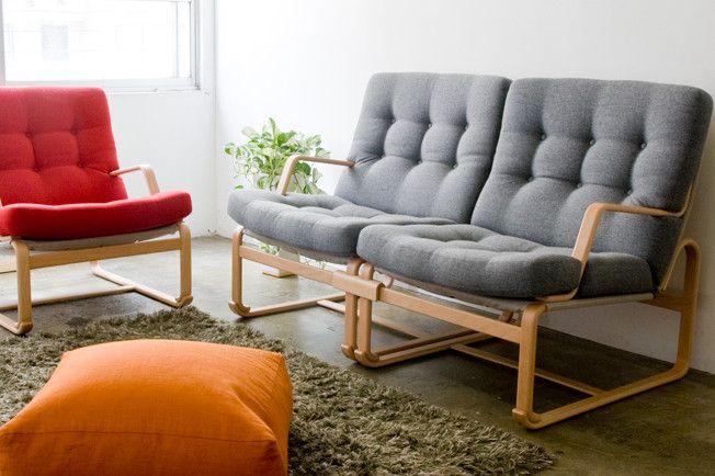 Margaretaソファは、スウェーデンの家具デザイナー、ブルーノ・マットソンが来日した際、畳の上での実体験を元に開発されました。1976年の商品化以降、40年以上も作り続けられています。ソリのような