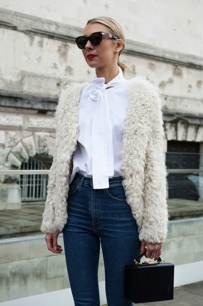 What to wear to work on a casual office day > chic white blouse is everything. #mypoweroutfit:
