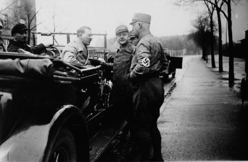 Here is another photo of Steinbinder as chauffeur, from November, 1930 with Hess, Adolf Wagner, Bouhler and Schwarz: