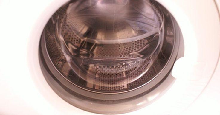 Cómo limpiar el filtro de una lavadora Whirpool Duet. La lavadora Whirlpool Duet es una máquina de lavado de carga frontal, de eficiencia energética. En este artefacto el filtro se encuentra debajo de la placa de protección frontal, y su función es recoger la pelusa que cae de la ropa durante el proceso de lavado. El filtro de pelusa debe ser limpiado al menos una vez cada 6 meses. De lo contrario, ...