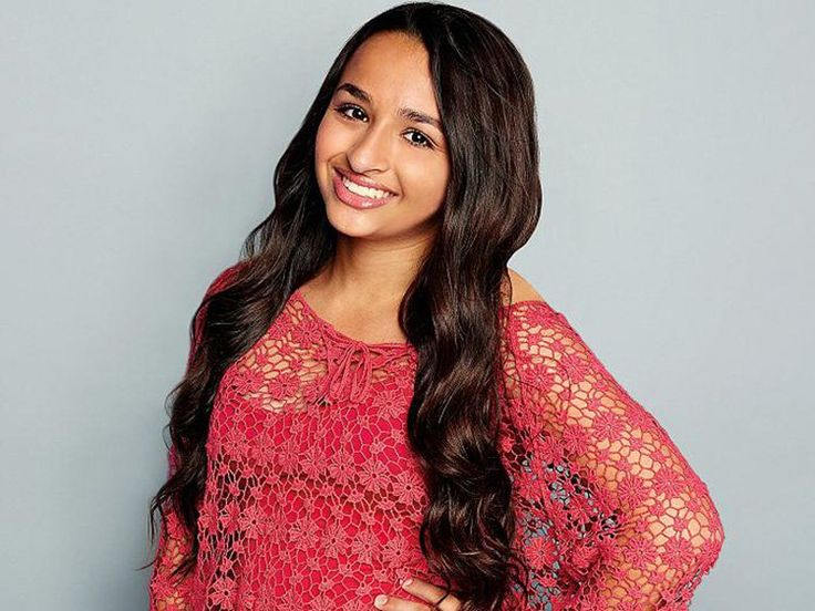 Jazz Jennings's First Kiss Was Not Good                              …