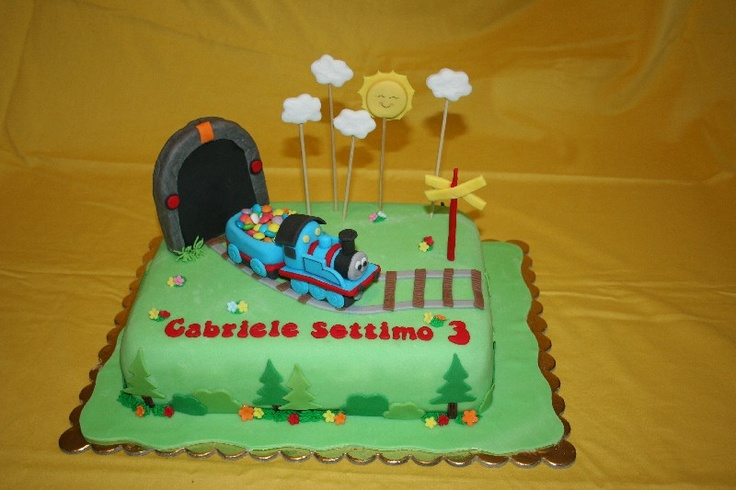 #Thomas the train cake #Torta Trenino Thomas