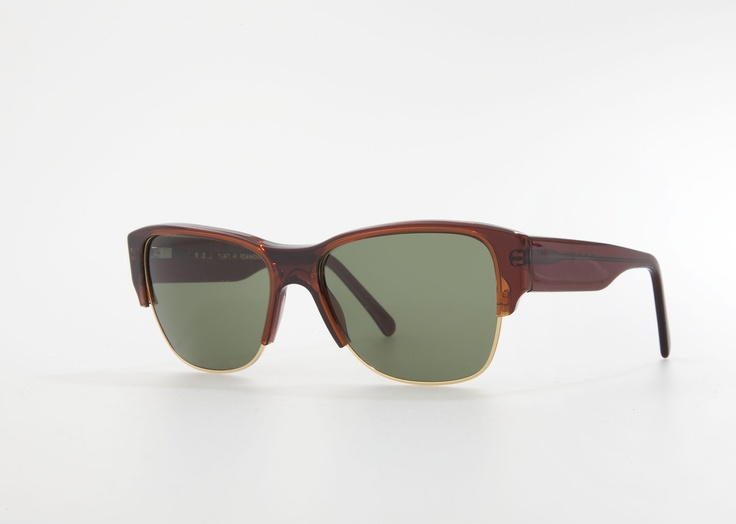 Niger in brown acetate and green G15 lenses