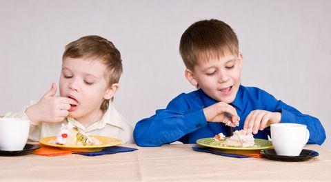 Se mangiano poco e solo determinati cibi, non è sempre colpa dell'educazione, è inutile prendersela con se stesse: la tendenza a rifiutare certi