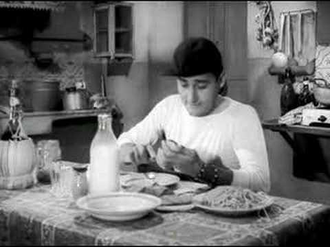 """Alberto Sordi - Macaroni io ve distruggo!   Mitica scena con Alberto Sordi che paragona il mangiare americano a quello italiano...  Tratto da """"Un americano a Roma"""""""