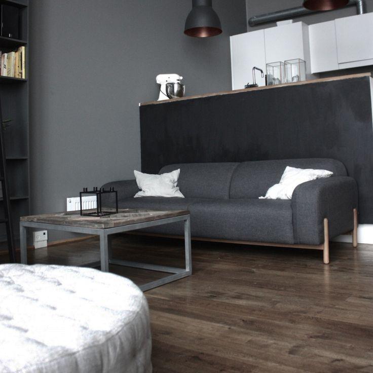 Marvin hat durch sein Dunkelgrau eine mächtige Anmutung bei @carolienehring  #sofacompany #sofacompany_de #danishdesign #furniture #scandinaviandesign #interiordesign #furnituredesign #nordicinspiration #retrostyle