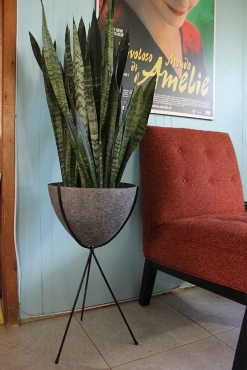 I WANT one!!! My mom had a bullet planter...wish we still had it