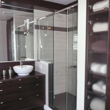 1000 id es sur le th me salle de bain mauve sur pinterest salle de bain bei - Paravent douche italienne ...