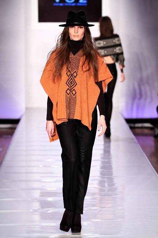 VOZ fashion, 9 different horrible influences in this one look