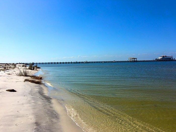 14 Gorgeous Beaches In Mississippi You