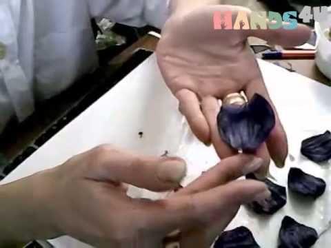 МАСТЕР-КЛАСС: ЦВЕТЫ ИЗ КОЖИ. Брошь заколка ROSE MAGIC. ❤ http://www.youtube.com/watch?v=5JIfXwB0Skw
