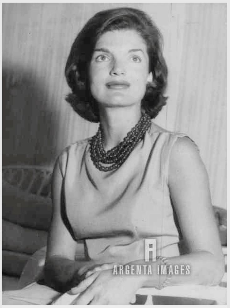 the life and death of jacquiline bouvier kennedy onassis Writer, lawyer and diplomat, caroline kennedy is the only surviving child of john f kennedy and jacqueline kennedy onassis caroline bouvier kennedy was born on november 27, 1957, in new york.