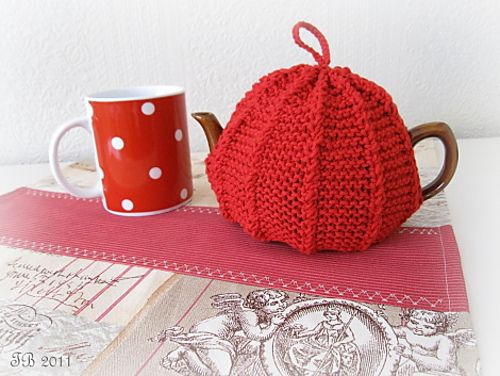 Ravelry: Tea Cosy (Couvre-théière) free #knitting pattern by Lily Sugar'n Cream and Bernat Design Studio