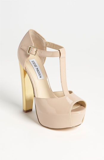 literally obsess with these Steve Madden pumps.. i need them for my bfs birthday dinner!! #Nordstrom