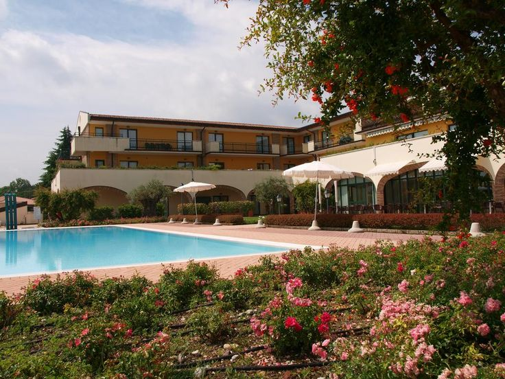 Residence Hotel Le Terrazze sul Lago – Padenghe sul Garda for information: Gardalake.com