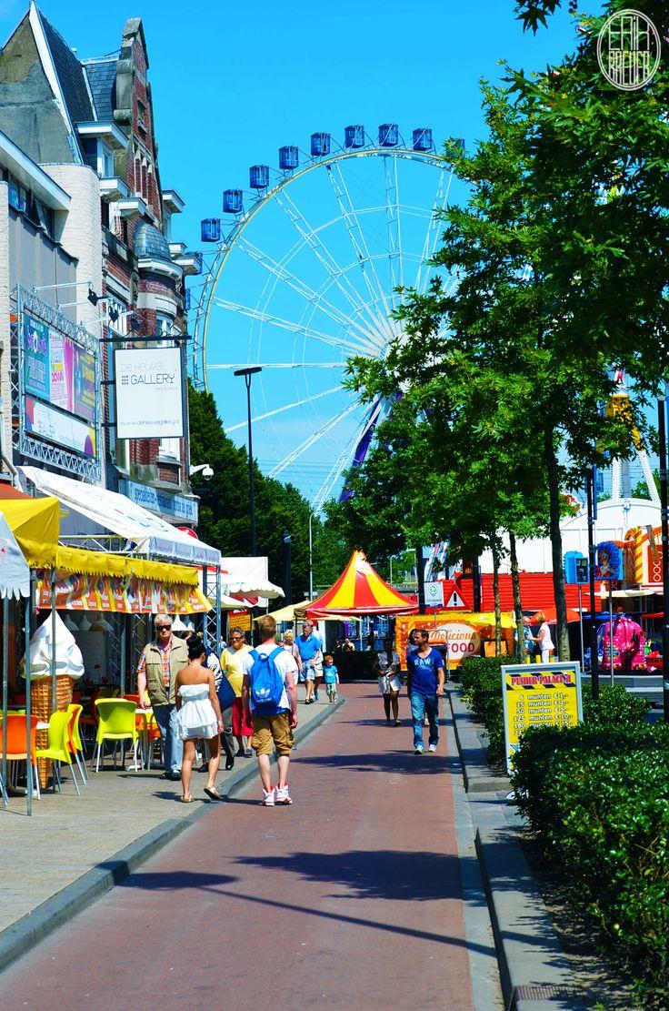 The big ferris wheel in the background - Tilburgse Kermis 2014