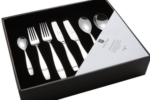 We all love food, am I right? I do believe it always tastes better when you eat it with quality cutlery, it feels like you are at a fancy restaurant. This Morgan Cutlery Set is my way of feeling fancy without the price tag!