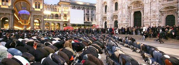 Un fiume di denaro dei Paesi islamici per le nuove moschee in Italia. Basta!