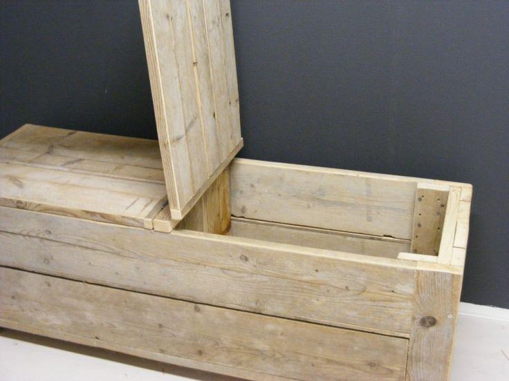 Speelgoedkist van steigerhout 150x50x50cm, ook erg mooi als dekenkist/bankje aan het voeteneind van het bed.