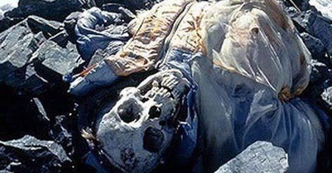 12 Disturbing Stories Of Dead Bodies Left To Decompose On Top Of Mount Everest