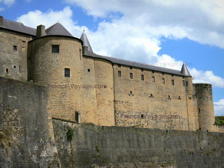 Sedan:+Château+fort+de+Sedan,+forteresse+médiévale - France-Voyage.com