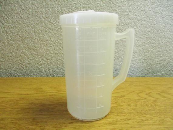 republic freezette 16 oz plastic measuring container decanter pitcher no 183 vintage kitchen on kitchen decor pitchers carafes id=41699