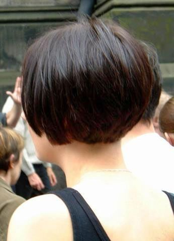 Very Short Graduated Bob | Stacked short bob from back by gloriaU