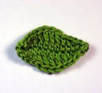 Violasblog: How to make a crochet leaf